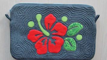 Чехол для планшета с аппликацией «Аленький цветочек»
