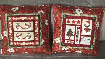 Лоскутные подушки «Снеговики»