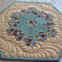 Салфетки из шестиугольников «Бабушкин сад»