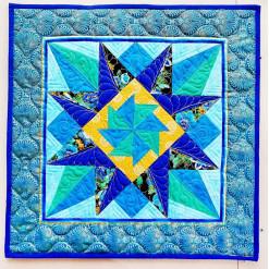 Подушка лоскутная стеганая «Синяя звезда»
